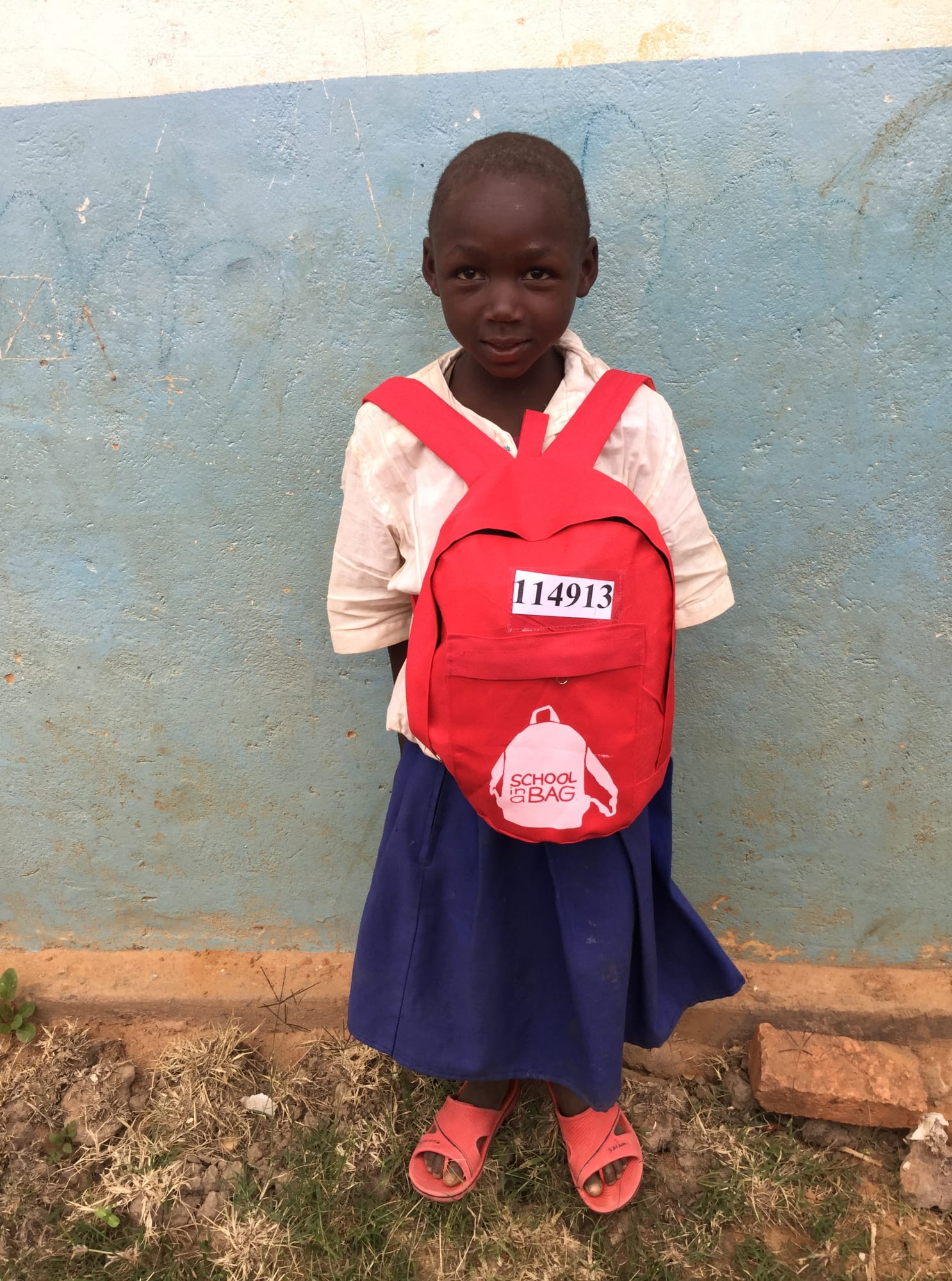 IRUDI - Child with SchoolBag